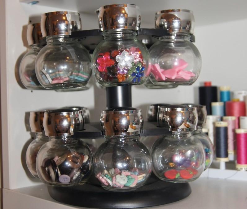 Button/craft holder